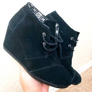 Tom's Black Suede Booties Size 6